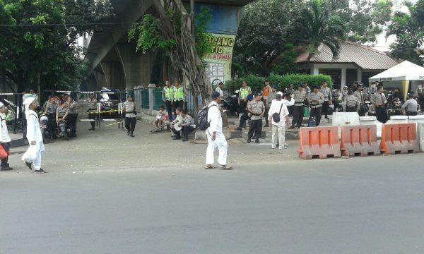 """Aparat kepolisian bersiap untuk mengamankan aksi massa """"Bela Islam"""" 4/11 (dok. Arnadi/KM)"""