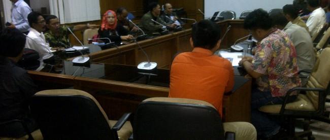 Audiensi 40 LSM dengan DPRD Kabupaten Bogor membahas proyek PT Sayaga Wisata yang akan membangun hotel bintang 3 di Cibinong.