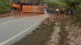 kecelakaan truk putussibau