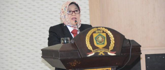 Hj Nurhayanti di Sidang Penutupan DPRD