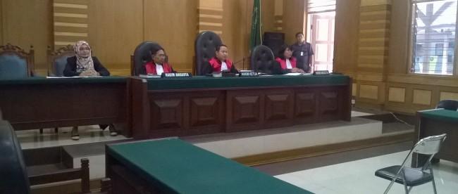 Majelis Hakim pada sidang gugatan di pn bogor