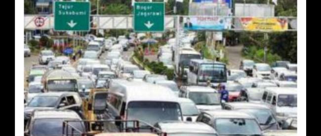 Macet parah kerap terjadi di jalur menuju Puncak, Bogor, pada setiap musim liburan. (stock)