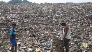 Gunungan sampah di TPA Galuga (stock)