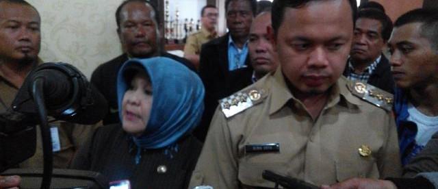 Bupati Bogor dan Walikota Bogor bertemu untuk membahas masalah TPA Galuga di Cibinong, Selasa 26/1 (dok. KM)