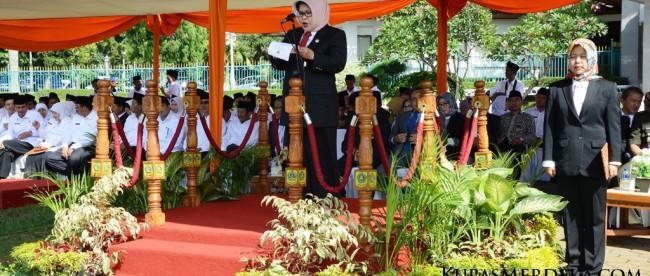 Bupati Bogor Hj. Nurhayanti memberikan sambutan pada acara peringatan Hari Amal Bakti Kemenag Kabupaten Bogor, Minggu 3/1 (dok. KM)
