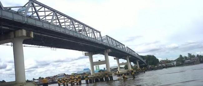Jembatan sungai Kapuas, Kalimantan Barat (dok. KM)
