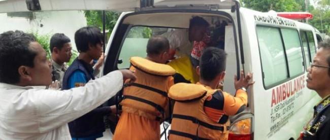 BPBD mengevakuasi mayat yang ditemukan di Situ Cikaret, Cibinong 11/2 (dok. KM)