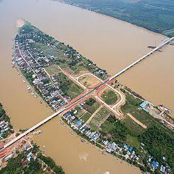 Jembatan Tayan menyeberangi sungai Kapuas, akan diresmikan oleh Presiden Joko Widodo pada 22 Maret 2016.