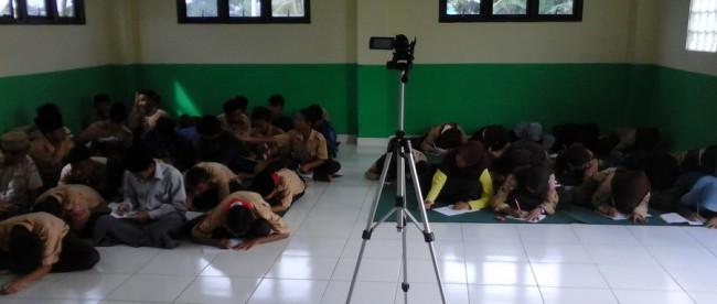 Pelatihan jurnalistik untuk para santri di Ponpes Ar-Risalah, Cariu (dok. KM)