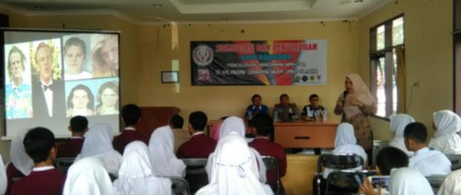 Sosialisasi AMBB kepada pelajar dalam upaya melawan peredaran narkoba, Pamijahan 12/4 (dok. KM)