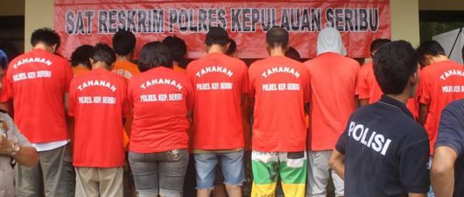 Tersangka pemakai narkoba yang dibekuk oleh Polres Kepulauan Seribu selama Ops Bersinar 2016 (dok. KM)