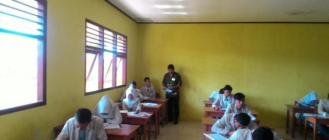 Situasi saat UN di SMK Nusantara, Citayam, Bogor (dok. KM)