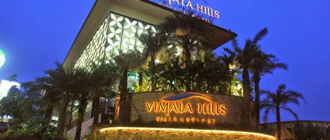 Pintu masuk perumahan mewa Vimala Hills milik Agung Podomoro Land di Gadog, Jl. Raya Puncak (stock)