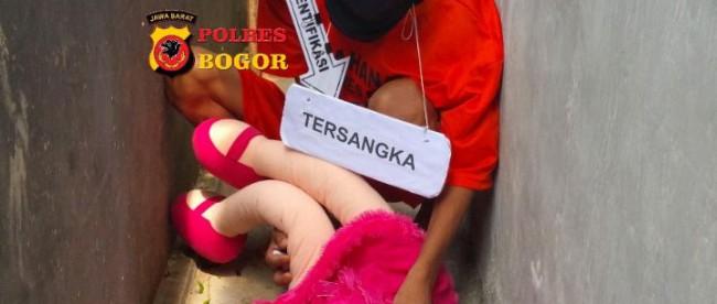 Rekonstruksi kejadian pemerkosaan terhadap balita di Cibungbulang, Kamis 25/5 (dok. POlres Bogor)