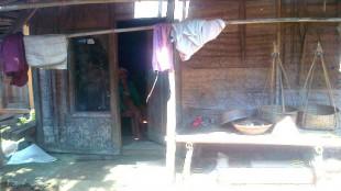 Mien (97) bertahan hidup di gubuk reot yang hampir ambruk (dok. KM)