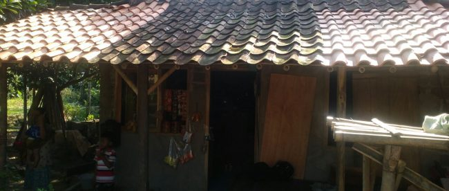 Salah satu rumah yang mendapat bantuan dana RTLH di Banyuresmi. Dana bantuan tersebut diduga dikorupsi oleh oknum Pemdes sehingga hanya sebagian dari dana tersebut yang diterima oleh warga. (dok. KM)