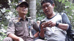 Kabid Riksa Pol PP Kab. Bogor Agus Ridho memberikan keterangan kepada wartawan (dok. KM)