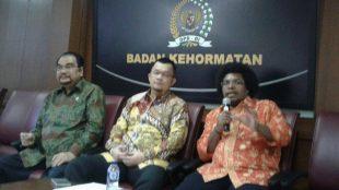 Pimpinan BK DPD RI memberikan keterangan kepada wartawan, Jumat 20/10 (dok. KM)