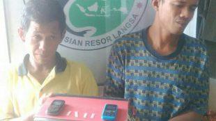 Dua tersangka pengguna dan pengedar narkoba yang ditangkap Satres Narkoba Polres Langsa Rabu 10/1 (dok. KM)