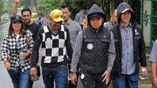 Pasangan Walikota Dan Wakil Walikota Bogor Bima Arya - Dedie A Rachim Gerilya Bersama Bala Badra Di Kawasan Bogor Barat, Kota Bogor (15/02/2018).