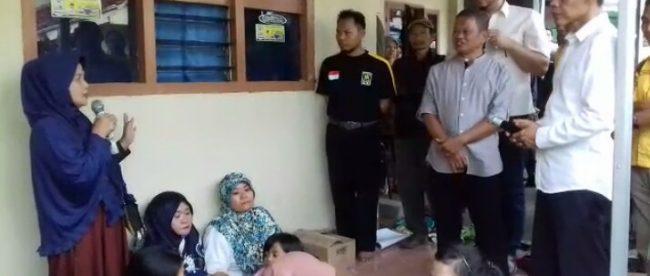 Kunjungan Calon Bupati Kabupaten Bogor Jaro Ade, di Desa Pasir Eurih Taman Sari Jumat (9/3/2018) (dok. KM)
