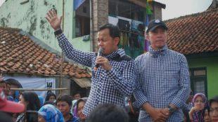 Calon Walikota dan Wakil Walikota Bogor Bima Arya - Dedie Rachim saat gerilya di daerah Loji, Kecamatan Bogor Barat, Kota Bogor 9/4/2018 (dok.KM)