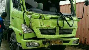 Kondisi truk yang dikemudikan Ma'mun, karuyawan JCY Ducting, setelah mengalami kecelakaan pada Februari lalu (dok. KM)