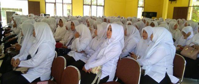 Peserta CPNS yang ikut diklat prajabatan di Idi, Aceh Timur, Senin 23/4 (dok. KM)