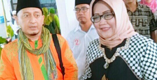 Dai kondang Ustadz Zacky Mirza bersama Calon Bupati Bogor Ade Yasin, Kamis 26/4 (dok. KM)