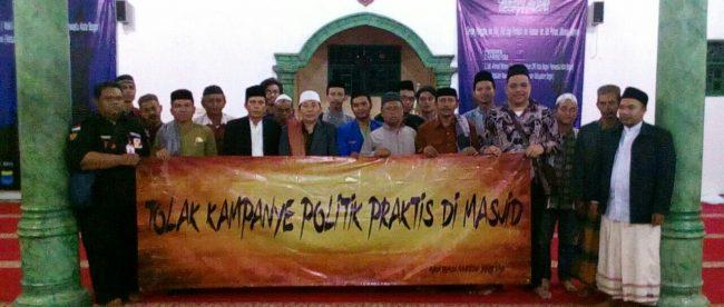 Forum Pemuda Mahasiswa Bogor Raya Bersama Panwascam Tanah Sareal Sosialisasikan Tempat Ibadah Bukan Tempat Berpolitik Dan Kampanye (dok.KM)