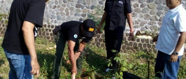 Tanam Pohon GTP di Lingkungan Rusunawa Cibuluh Kecamatan Bogor Utara Kota Bogor (dok.KM)