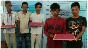 Lima tersangka pengedar sabu saat berada di ruang Satres Narkoba Mapolres Aceh Utara. (Photo/Ist)