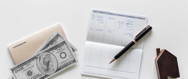 Membeli rumah dengan gaji UMR (ilustrasi)