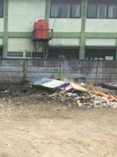 Tumpukan sampah di lahan samping SDN Kemiri Muka 2 (dok. KM)