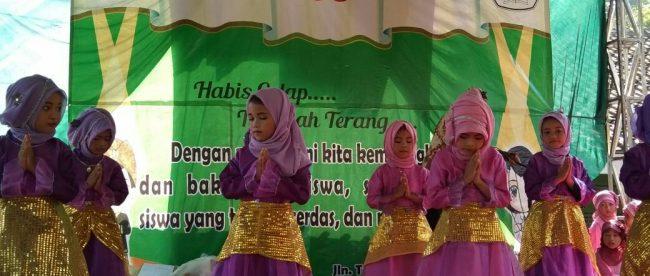 Pentas seni anak-anak PAUD di SDIT Al Hasanah, Tajurhalang, Bogor, Rabu 9/5 (dok. KM)