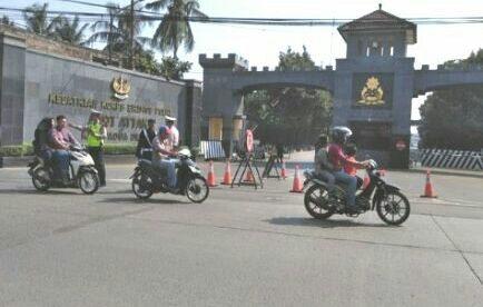 Situasi jalan di depan Mako Brimob yang sudah dibuka kembali untuk umum pasca terjadinya kerusuhan (dok. KM)