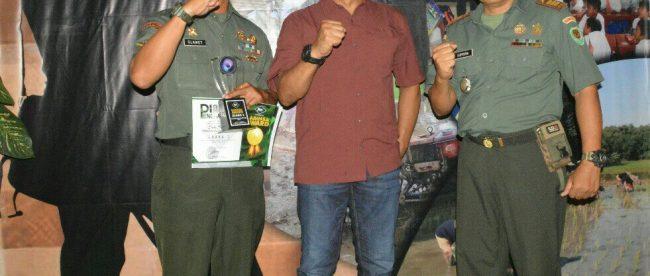 Danrem 061/Suryakancana bersama pemenang Babinsa Award 2018 (dok. KM)