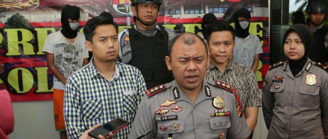 Kapolres Bogor AKBP Andi Moch. Dicky saat memberikan keterangan pers di Mapolres Bogor, Cibinong, Selasa 22/5 (dok. KM)