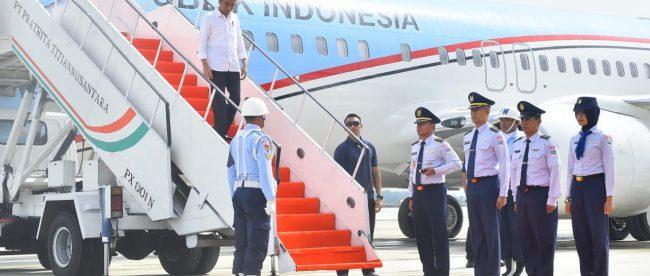 Presiden Joko Widodo saat tiba di Bandara Kertajati, Majalengka, Jawa Barat, Rabu 24/5 (dok. Setpres)