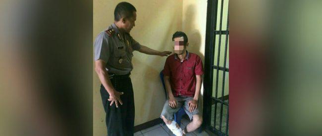 Kapolsek Babakan Madang, Kompol Wawan bersama pelaku curas yang ditangkap jajarannya pada Jumat 11/5 (dok. KM)
