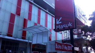 Gedung perbelanjaan Transmart di Jl. KH Abdullah bin Nuh, Kota bogor (dok. KM)