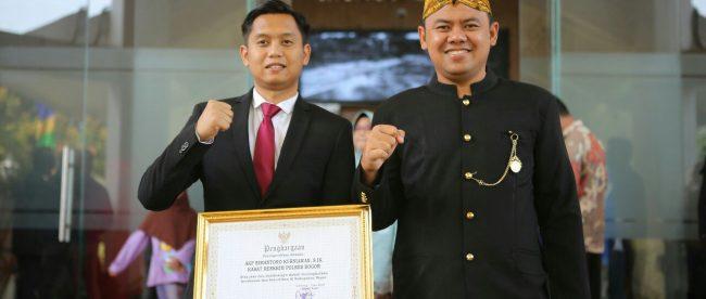 AKP Bimantoro Kurniawan bersama Kapolres Bogor AKBP Andi M. Dicky di Cibinong, Minggu 3/6 (dok. KM)