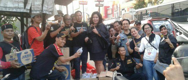 Aktivis GIBAS Resort Kota Bekasi bersiap membagikan takjil, Selasa 5/6 (dok. KM)