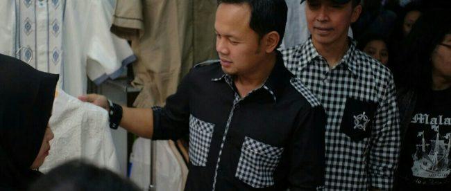 Pasangan Calon Walikota dan Wakil Walikota Bogor Bima Arya dan Dedie Rachim saat berkunjung ke Mal BTM, Kamis 7/6 (dok. KM)