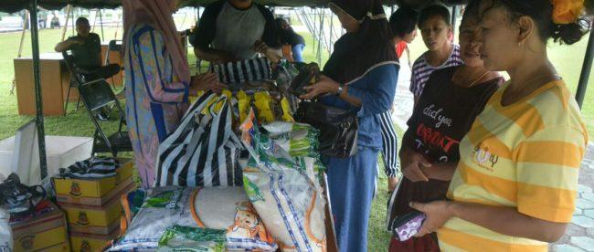 Bazar murah yang diselenggaakan oleh Korem 071/Wk di Banyumas, Sabtu 9/6 (dok. KM)