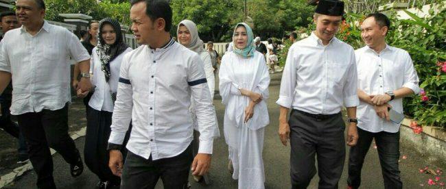 Calon Walikota dan Wakil Walikota Bogor Bima Arya dan Dedie Rachim menuju tempat pemilihan (dok. KM)