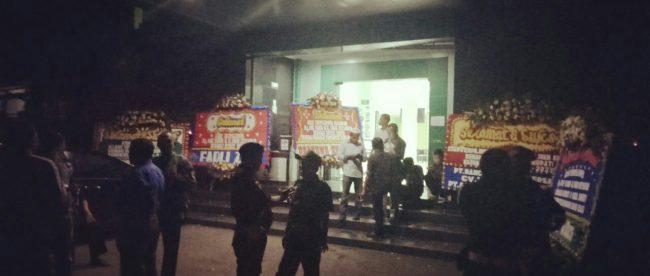 Suasana di depan kantor DPC PPP dan RY Center, Cibinong, Bogor, Kamis 28/6 (dok. KM)