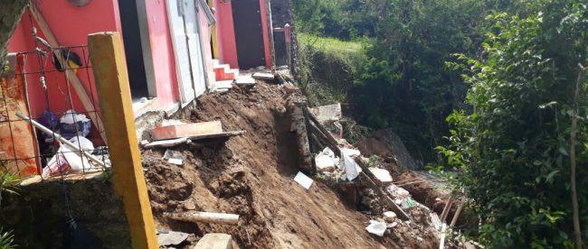 Lokasi kejadian bencana longsor di wilayah Kecamatan Cisarua, Kabupaten Bogor Minggu 1/7/2018 (dok. KM)