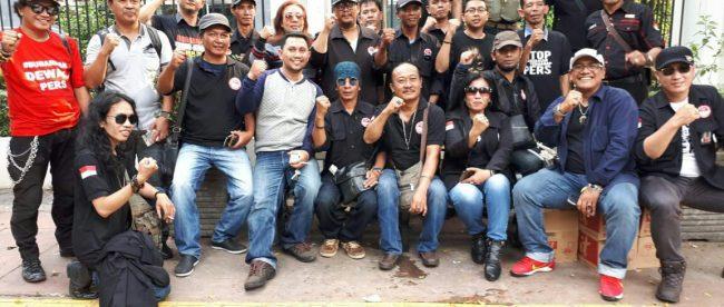 Pengurus dan anggota FPII usai aksi solidaritas wartawan di Jakarta, Rabu 4/7 (dok. KM)