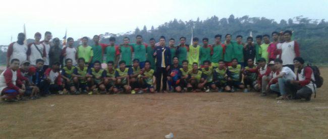 Tim peserta turnamen sepakbola PORDES Tajurhalang, Cijeruk, yang dibuka Sabtu 28/7/2018 (dok. KM)